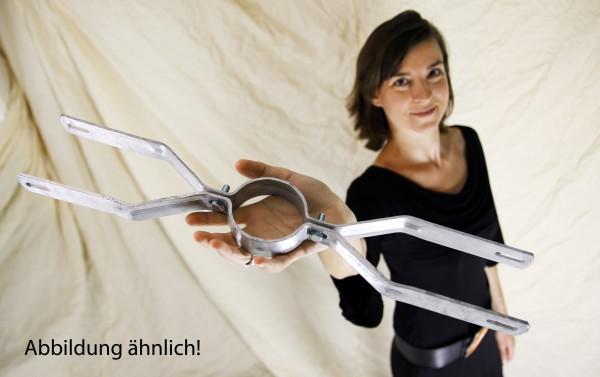 Schilderhalter / Rohrschelle f. Rohrdurchmesser ca. 89 mm, Lochabstand 500 mm f. 2 Schilder